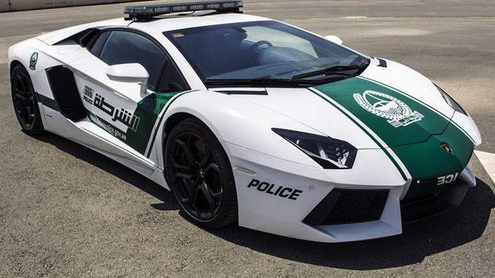 auto patrulla en Arabia