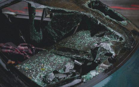 Automóvil estrellado del parabrisas