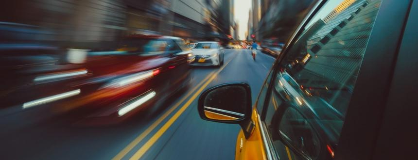 autos en avenida